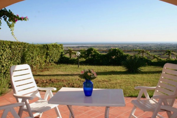 61 - Apartment with pool and a beautiful sea view near Castiglione della Pescaia